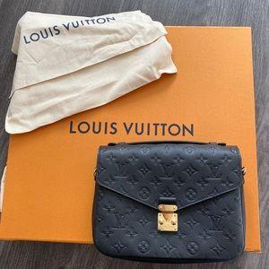 Louis Vuitton Pochette Métis crossbody